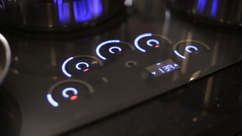 Awesome Glidetouchcontrols2 Glidetouchcontrols2. With Its Touch Controls  Aglow, GEu0027s New Induction Cooktops ...